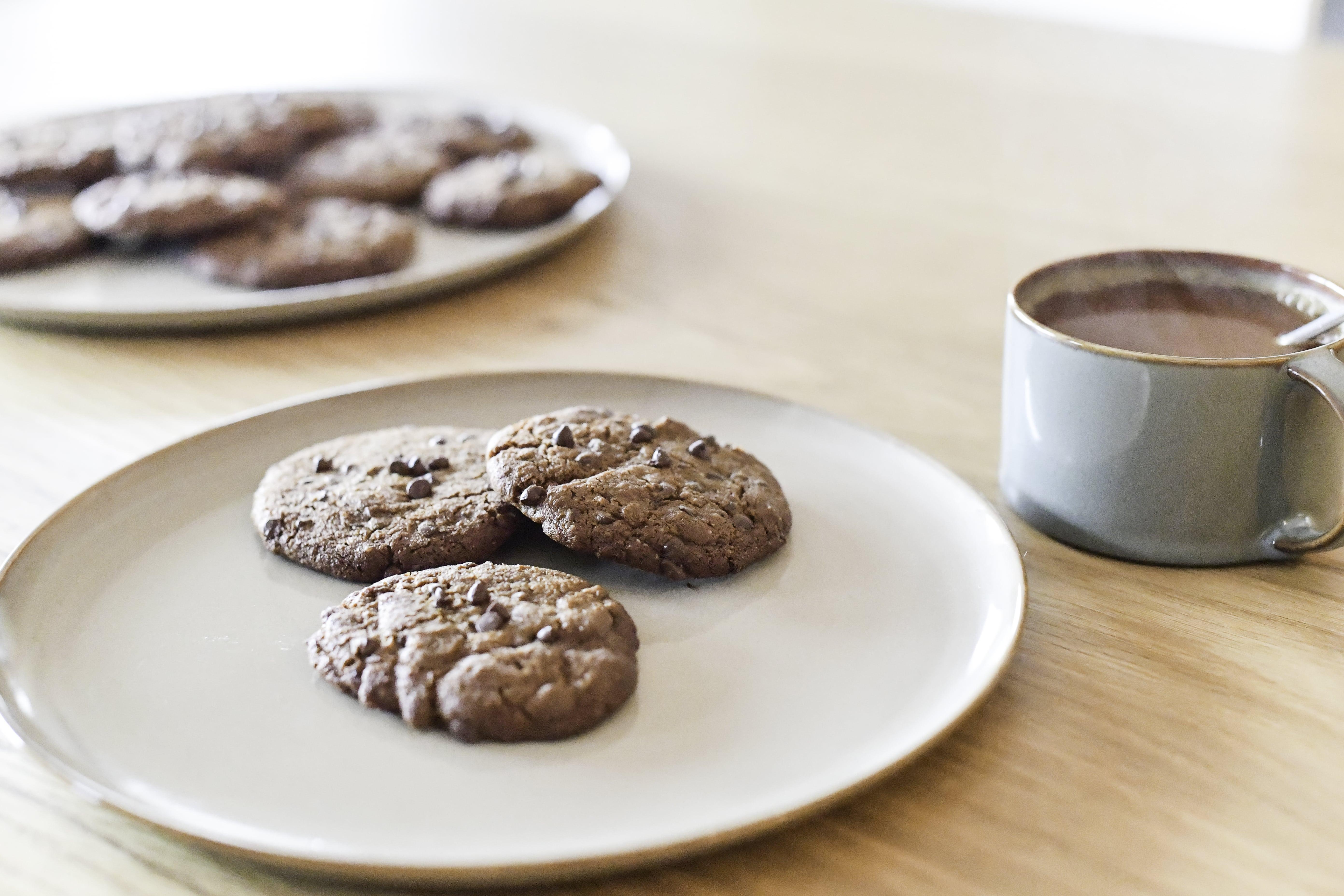 Cookies aux pépites de chocolat cru