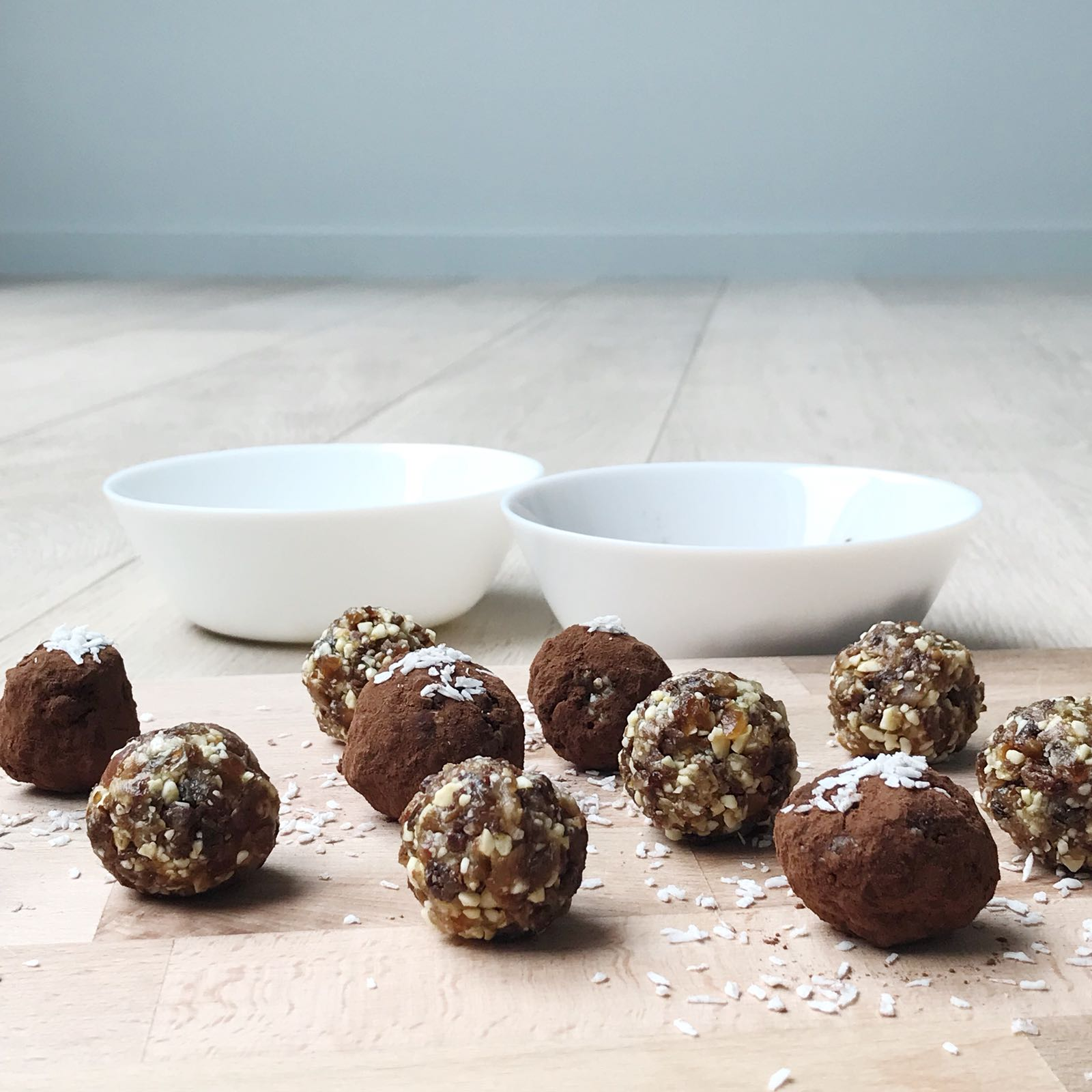 Energy balls aux raisins secs et aux dattes séchées