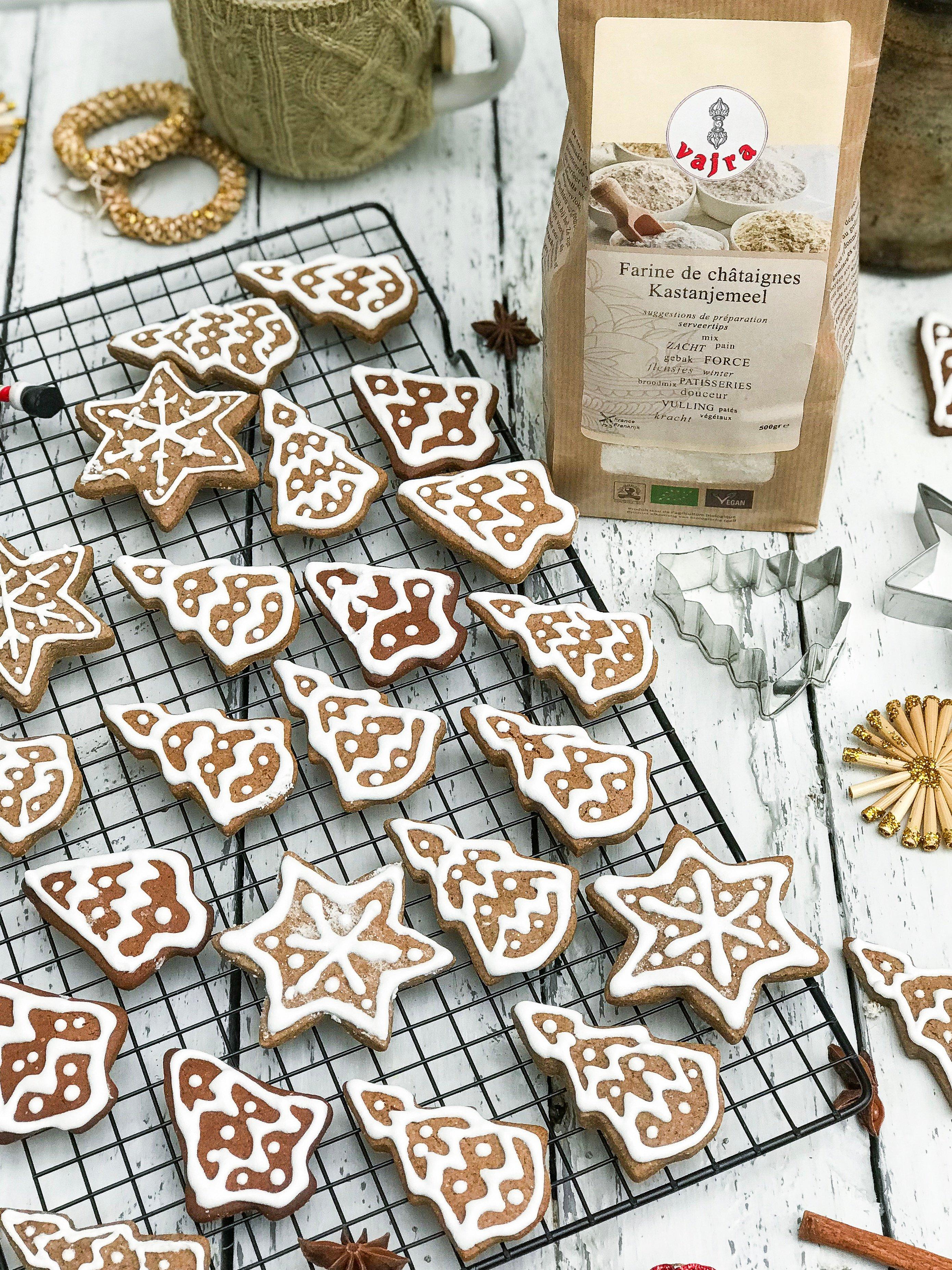 Kerstkoekjes met kruiden en kastanjemeel