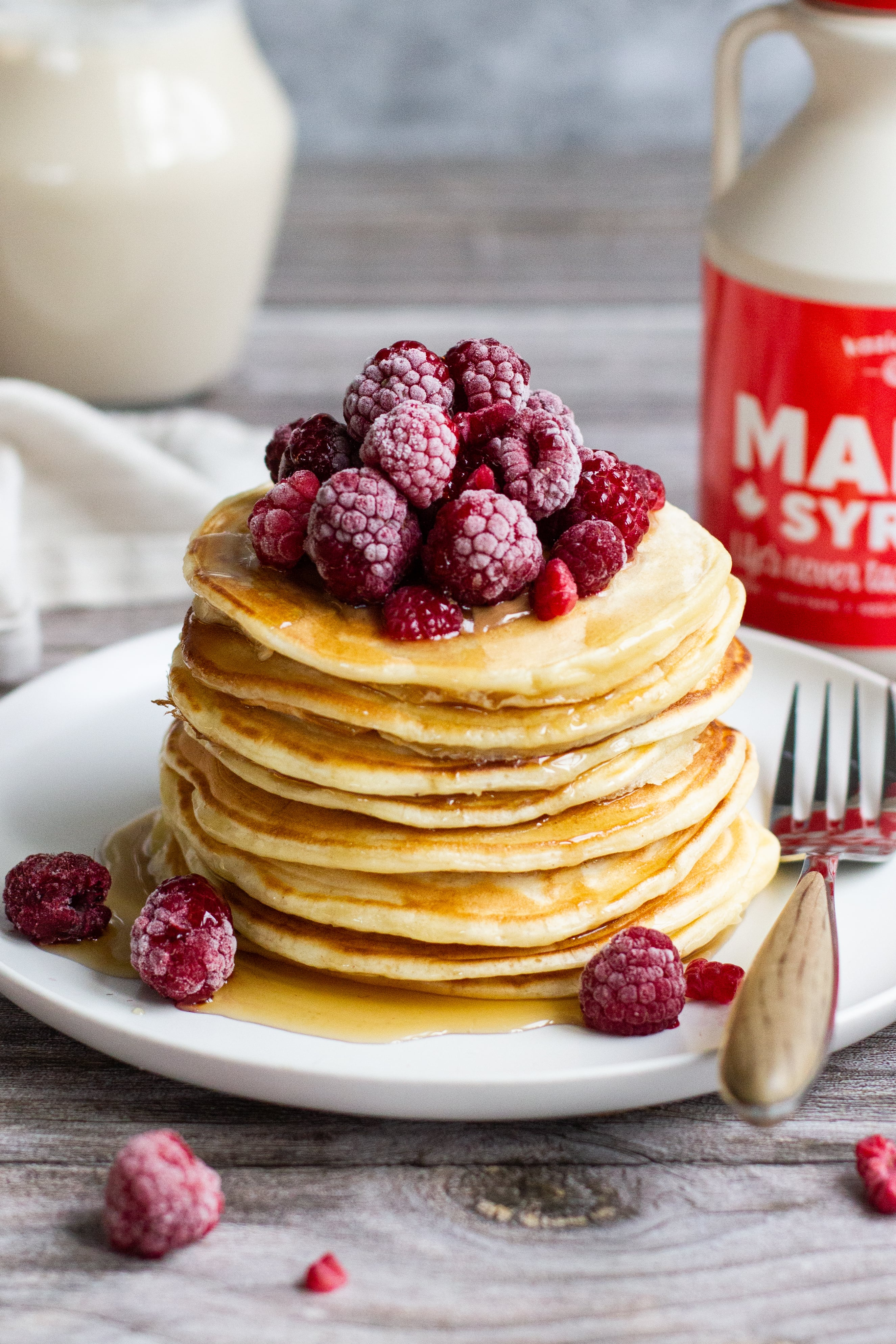 Glutenvrije pancakes, topping: ahornsiroop en fruit